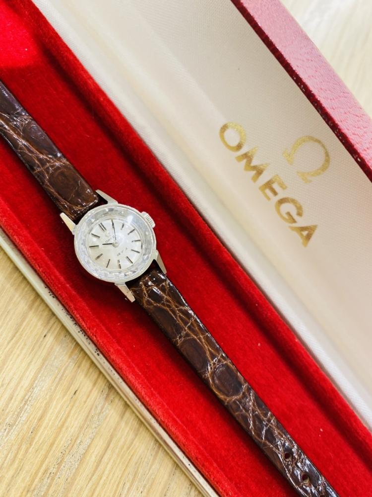 時計 アンティーク オメガに国産時計。アンティーク時計店「スイートロード」の独自のセレクトとは?